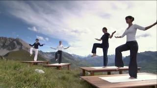 Ralf Bauer doing yoga in the Alps