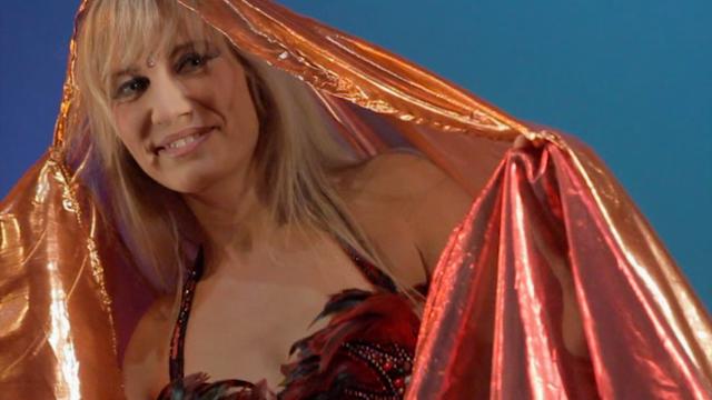 Claudina Calligraveil double veil bellydancing